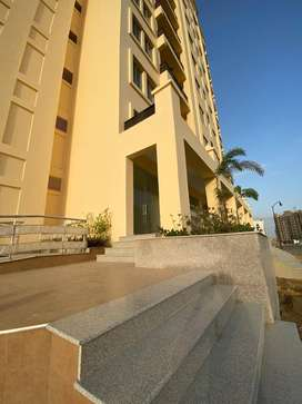 Super luxury apartment available for sale in bahria town karachi