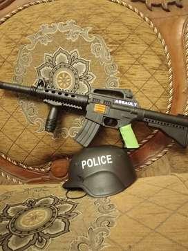 Mainan Anak Tembakan dan Topi Polisi/Tentara
