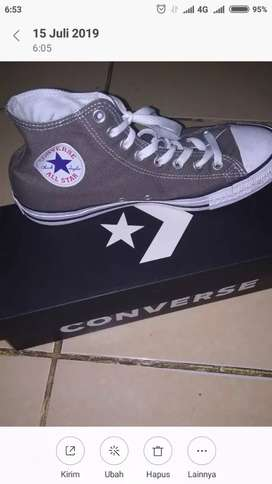 Converse size 43