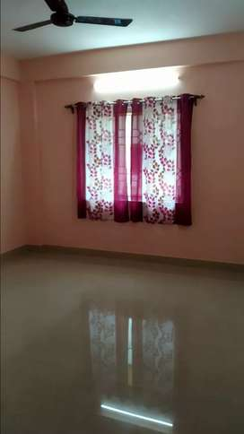 2bhk flat 2nd. Floor Tiles finished near Vip main road