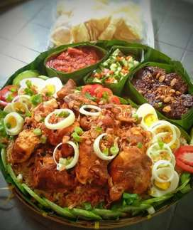Order Kak, Buat Rame-Rame Nasi Kebuli Ayam Goreng Untuk 8 Orang mantap