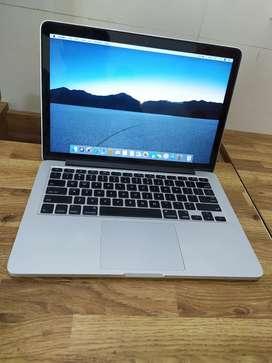 Retina macbook pro 13 i5 procsessor one month shop warranty