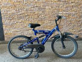 Hero Elite Cycle in good condition at reginable price.