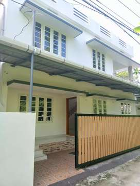 3 bhk 1300 sqft new build house at varapuzha town near
