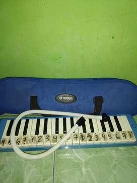 Pianika merek yamaha