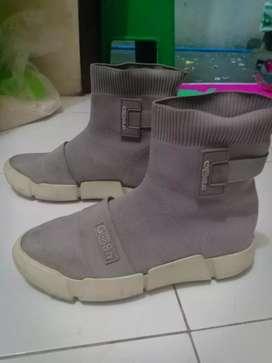 Sepatu gosh murah