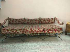 5 Seater Sofa Set - Cast Iron - unbreakable and long life