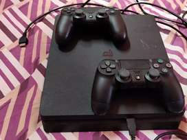 Sony Playstation 4 1 tb 5 months old in brand new condition