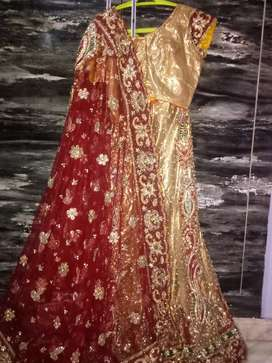 Beautiful Bridal lacha ( size XL ).. urgent sell.. in just half price