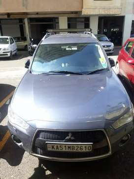 Mitsubishi outlander - very well maintained with service records