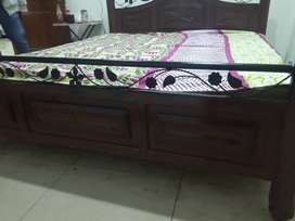 Queen size bed for sale original price 150000