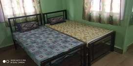 1BHK/ 2 BHK paying guest andheri east very spacious Flat