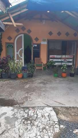 Dijual rumah 2 tingkat renovasi