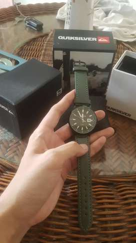 Jam tangan quicksilver minimalis army look tali kulit black green