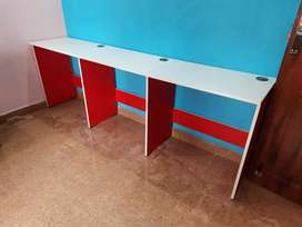 Running table office table with keyboard