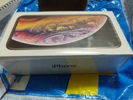 Brand new iphone XS (64gb gold)