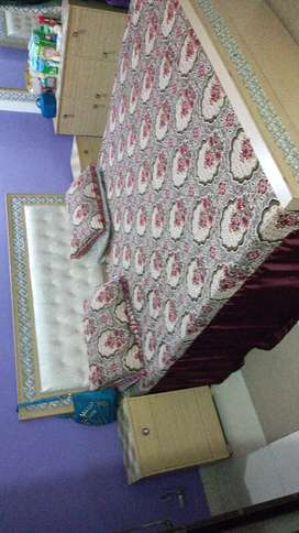 Decent furniture fine quality bed set
