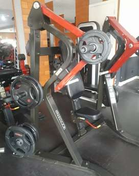 Chest press plate loaded life fitness