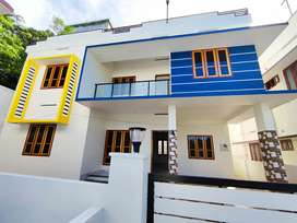 2000sqft 4 cent house in powdikonam mainroad side
