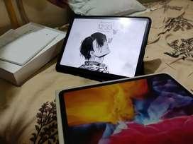 iPad Pro 11 (2020) 128 GB ( 2 months old)
