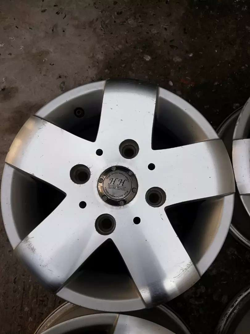 Imported alloy rims 12 inch for mehran, coure and other 0