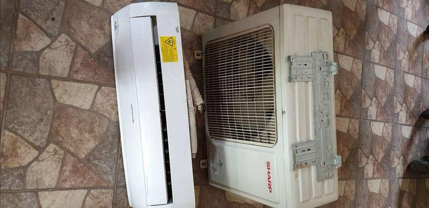 Dijual AC Sharp 2 PK masih gress dingin