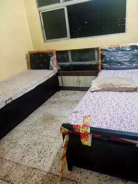 Combine pg for male/female rent 2000-3000 ,Fully Furnished Flat