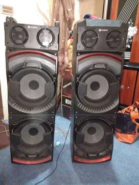 Audionic DJ-700 is a speaker that has a sound system loud
