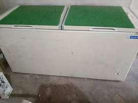 Deep fridge 500ltr Bluestar 2yrs old