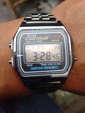 Jam tangan merk Q Q jual BU .masih baru masih ada plastik di kaca nya