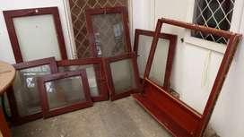 Kusen dan Jendela kayu dengan kaca