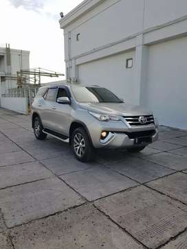 Toyota Fortuner SRZ 2.7 AT Bensin Silver'Th.16,Ganjil.