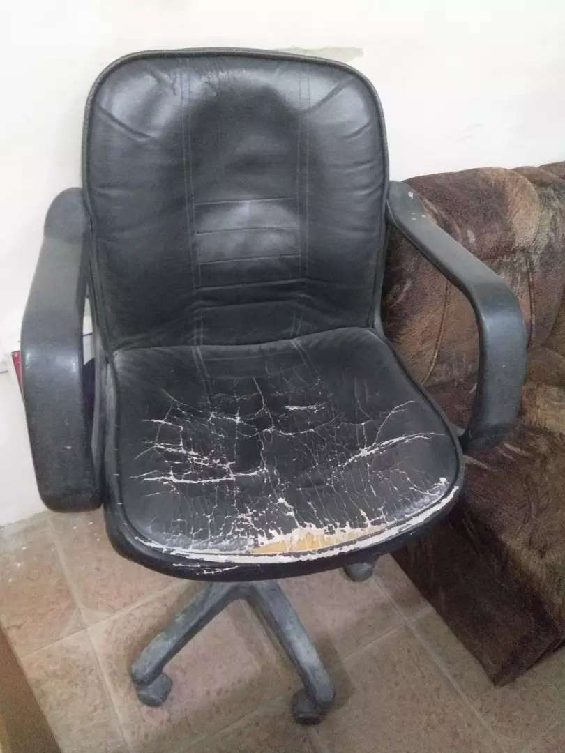 Only 6 Office seats with its sides for sale