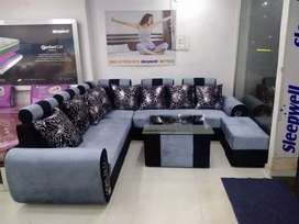 Sofa set with tabel and puffis