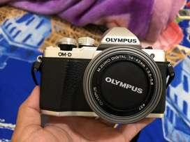 Mirroless Olympus Omd Em10