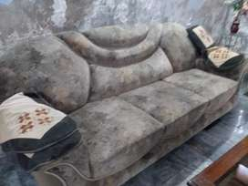 5 seater sofa with excellent condition