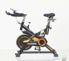 Spinning bike for user weight up to 130 kg