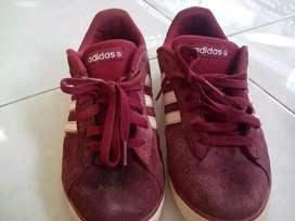 Sepatu adidas msih bagus