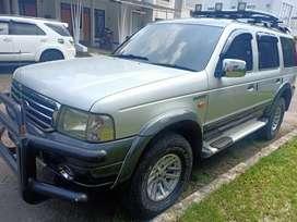 Ford everest XLT 2004