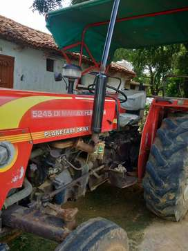 Good condition tractor (50hp)serious buyers call me fixed price