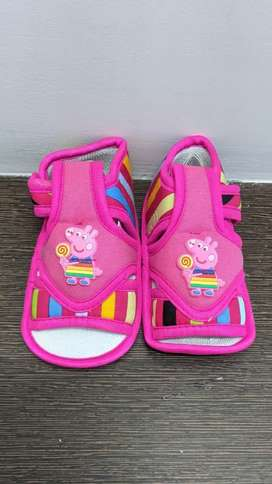 Baby sandal / Musical shoes