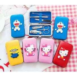 Alat Manicure Set - Menicure Pedicure Meni Pedi Hello Kitty Doraemon