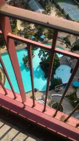 Di jual Apartemen Taman rasuna 1 BR view pool , unfurnished