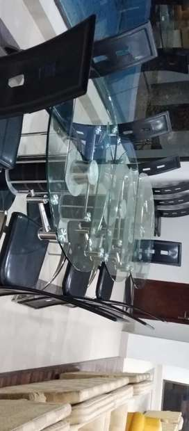 Selling of dining table and chairs