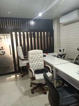 VIP FULL FURNISHED OFFICE FOR RENT NEAR 26 STREET 680 SQFT with lift
