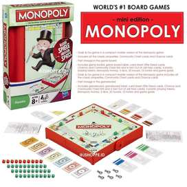 Monopoly grab and go / Games to go / Family Games
