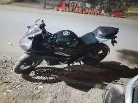 Yamaha R15, color Matt black ,good condition ,argent sell karna h,