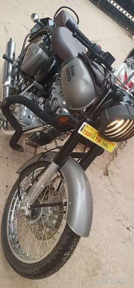 hello i want sell my royal enfield classic 350 brand new condition