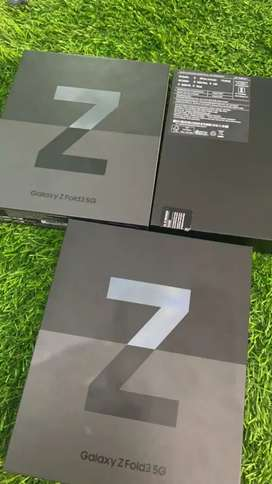 Samsung Fold3 5G 12gb 256/512gb brand new sealed all colours available