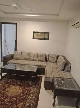 1Bedroom Full Furnished Flat Per Day Available in Bahria Town Lahore